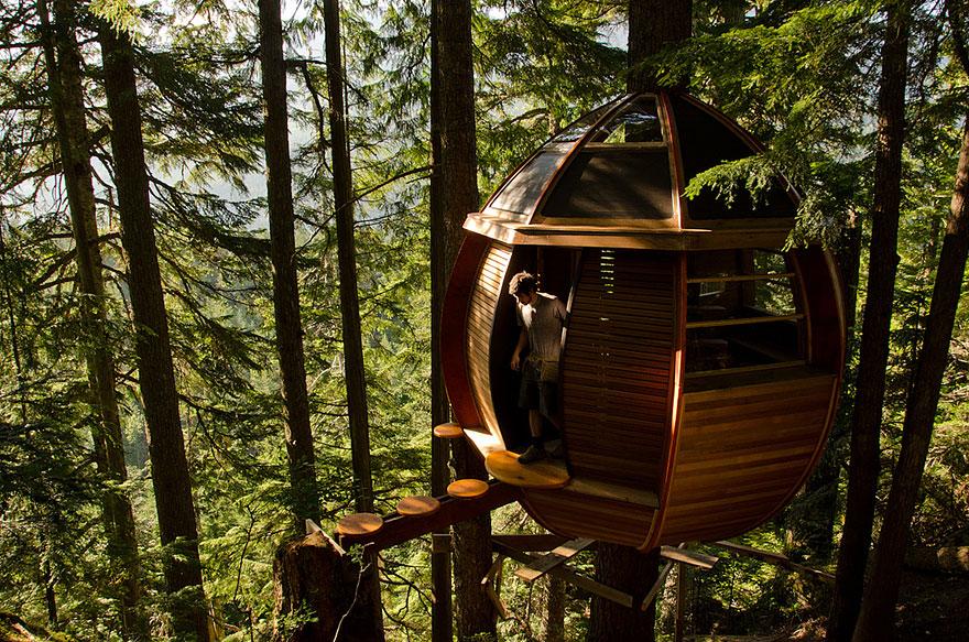 HemLoft Ağaç Evi; emekliye ayrılmış genç bir yazılım mühendisinin özel tasarımı - Kanada