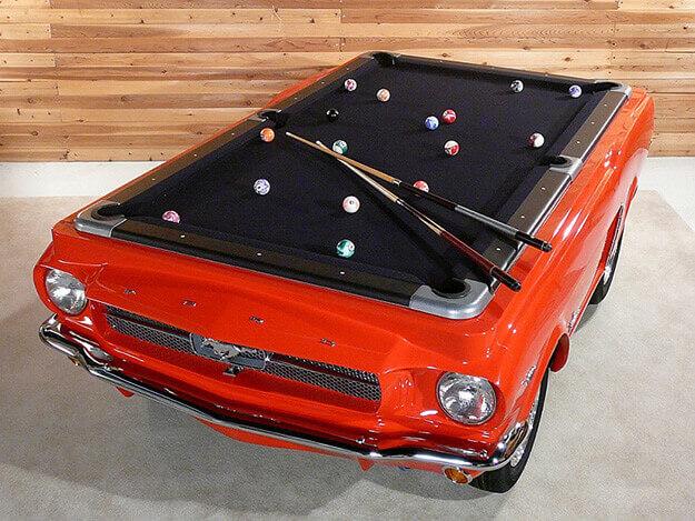 Eski arabanızdan ayrılmak istemiyorsanız, onu bir bilardo masasına dönüştürmeye ne dersiniz?