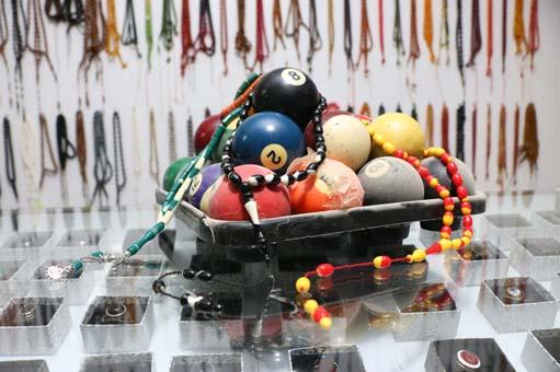 Bilardo toplarından tespih yapımı