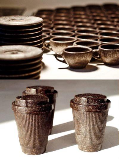 Alman Kaffeeform girişimi kahve telvesi, doğal tutkal ve ağaç parçalarıyla enjeksiyonlanabilir bir malzeme elde ederek, kahve bardağı ve fincanı yapıyor.