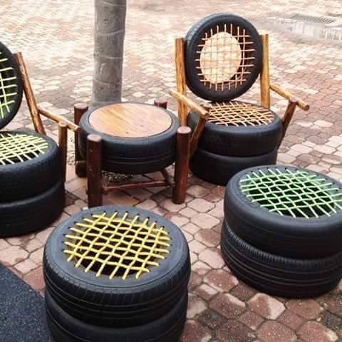 Kullanılmış eski lastiklerden sandalye ve masa