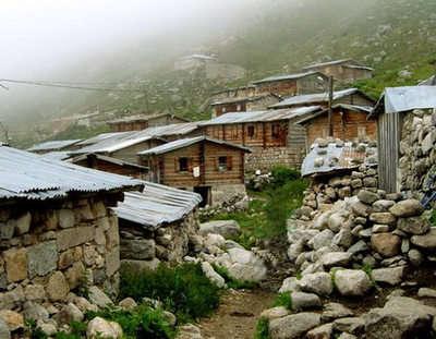 Palovit Yaylası ve taş evleri