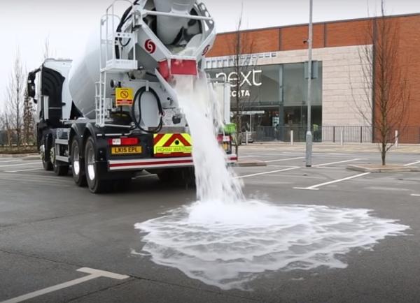 Sellerden korunmak için suyu emen beton